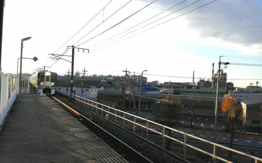愛知環状鉄道プラットフォーム