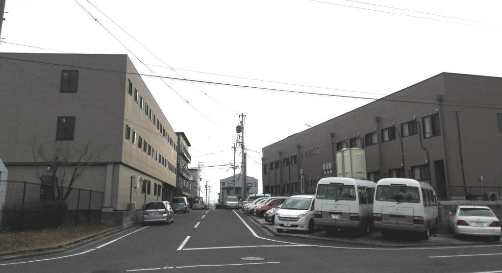 三菱自動車の期間工が生活する橋目寮外観3
